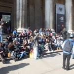 Devant Le British Museum