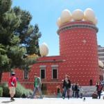 Arrivée au musée Dali de Figueras.